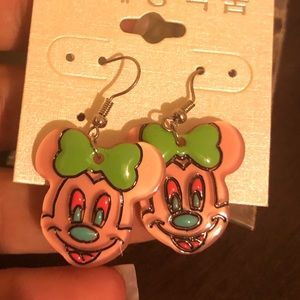 Jewelry - Minnie Mouse 🐭 Earrings super cute gr8 colors!